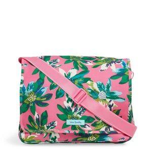 Vera Bradley Messenger Bag, Tropical paradise NWT